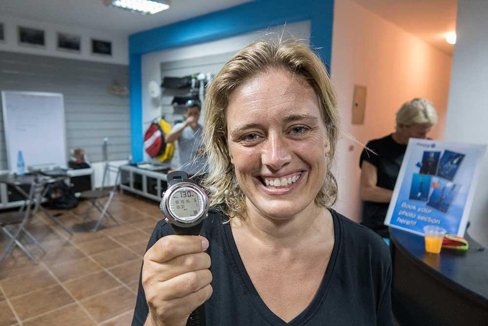 Nanja van den Broek wereldrecord 130 meter freedive